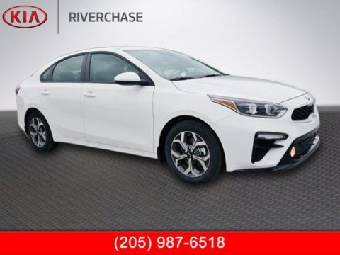 New 2019 Kia Forte LXS FWD 4D Sedan